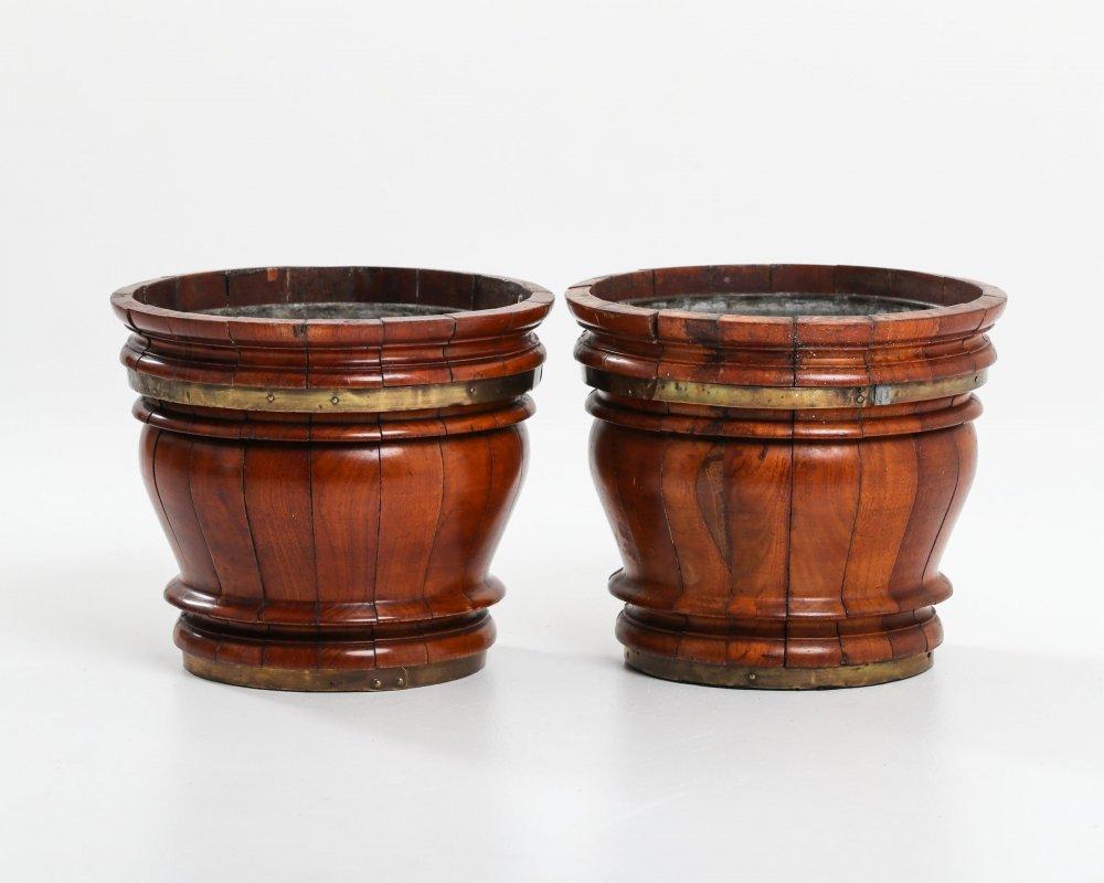 item/641-pr-of-walnut-jardinieres.html